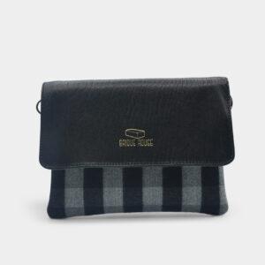 pochette lainage gris rabat cuir agneau noir